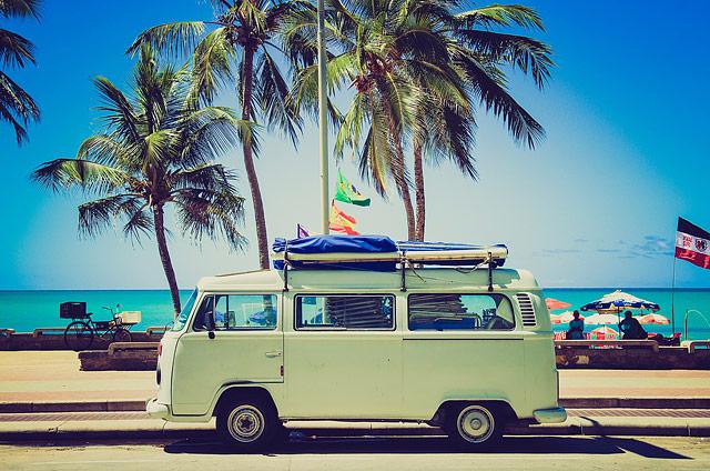 Vaše auto, spolucestujúci aj batožina nie sú nedotknuteľné, preto stojí za zváženie poistenie osôb v aute a ďalšie špeciálne pripoistenia, vďaka ktorým môžete cestovať bez obáv, zdroj obrázka: pixabay.com (Unsplash)