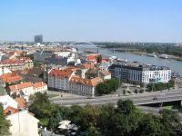 Pohľad na centrum Bratislavy a Dunaj