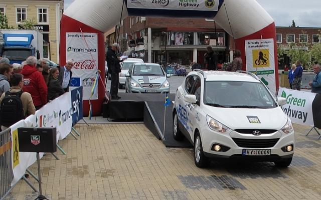 Hyundai ix35 FCEV na ekologických pretekoch Zero Rally 2012, zdroj: hyundai.sk