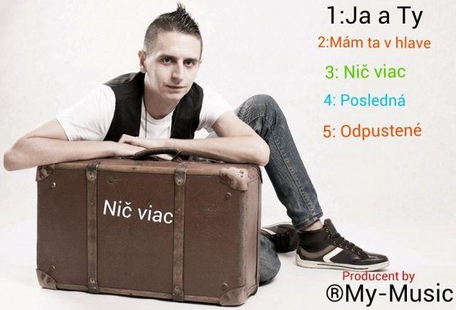 Prvý album Tomáša Rosinu s názvom Nič viac má 5 skladieb a 1 bonusovku, zdroj: archív speváka