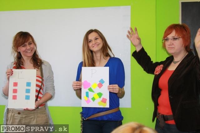 Cvičenie pre systematikov a voľnomyšlienkárov počas ukážkovej hodiny tvorivého písania v Dome poznania Galanta, foto: Miloslav Ofúkaný