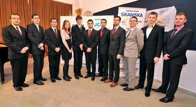11 víťazi Študentskej osobnosti Slovenska akad.r. 2013/2014, foto: Zuzana Halvoníková