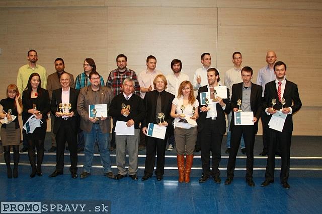 Súťažiaci 3. ročníka stredoeurópskej sútaže Toastmasters, foto: Miloslav Ofúkaný